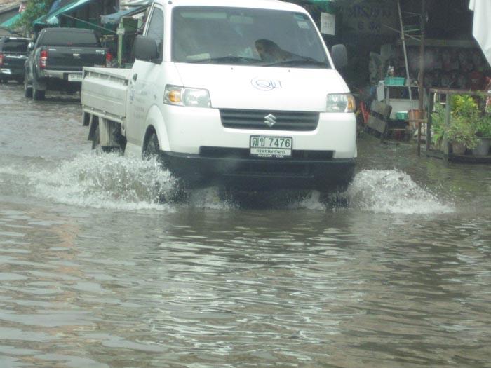 洪水 バンコク